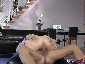 Sexy Chick Takes Big Cock Of Her Guy In Juicy Pussy