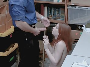 Bubble Ass Whore Deeply Banged By Security Guard